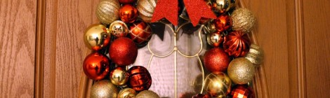 Christmas Ornament Wreath & Centerpiece