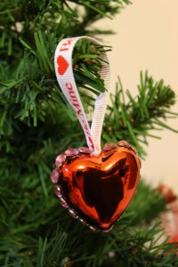 DIY Valentine's Day Rhinestone Heart Ornament