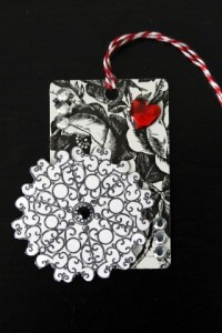 Gift Card turned Gift Tag Black & White Round